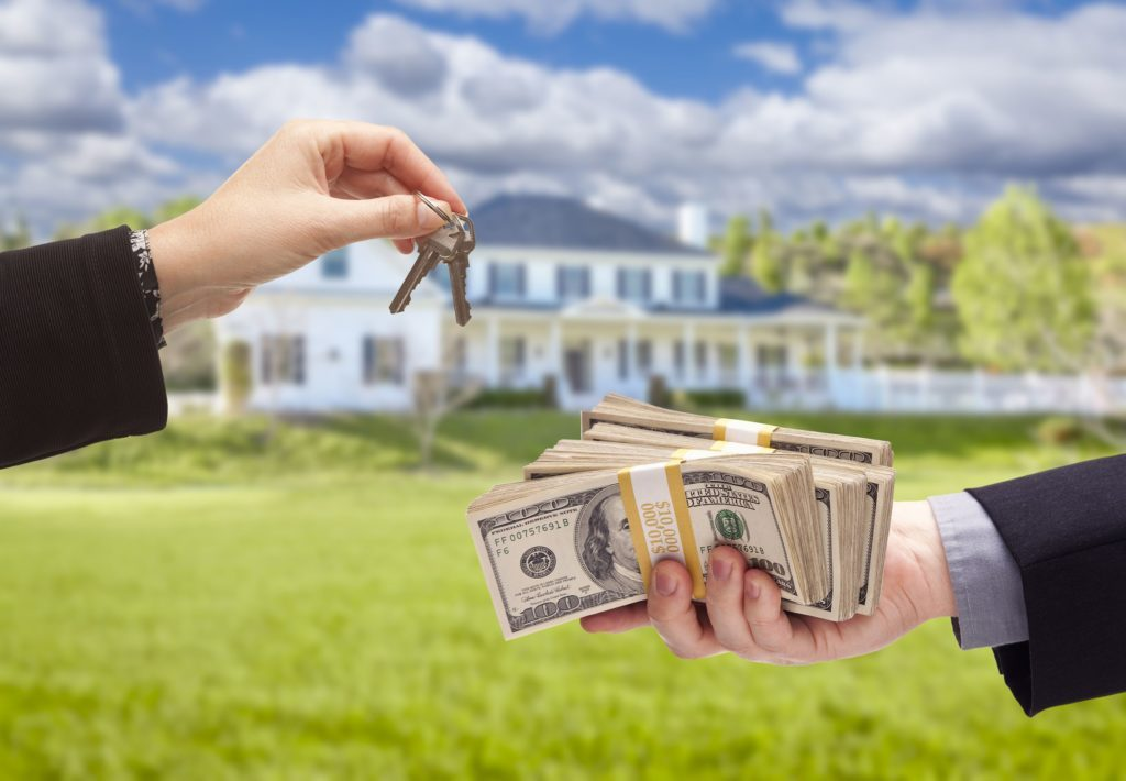 How to sell and buy a house at the same time?