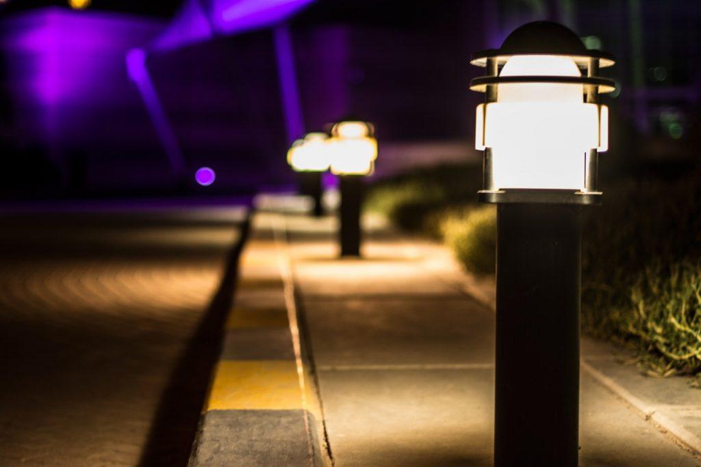 commercial solar lights